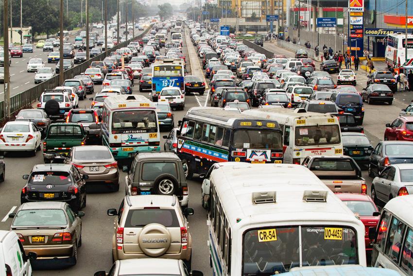 traffic in lima peru